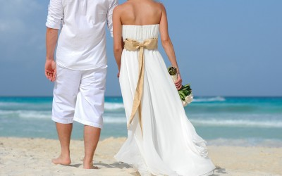 5 Reasons to Get Married at the Beach