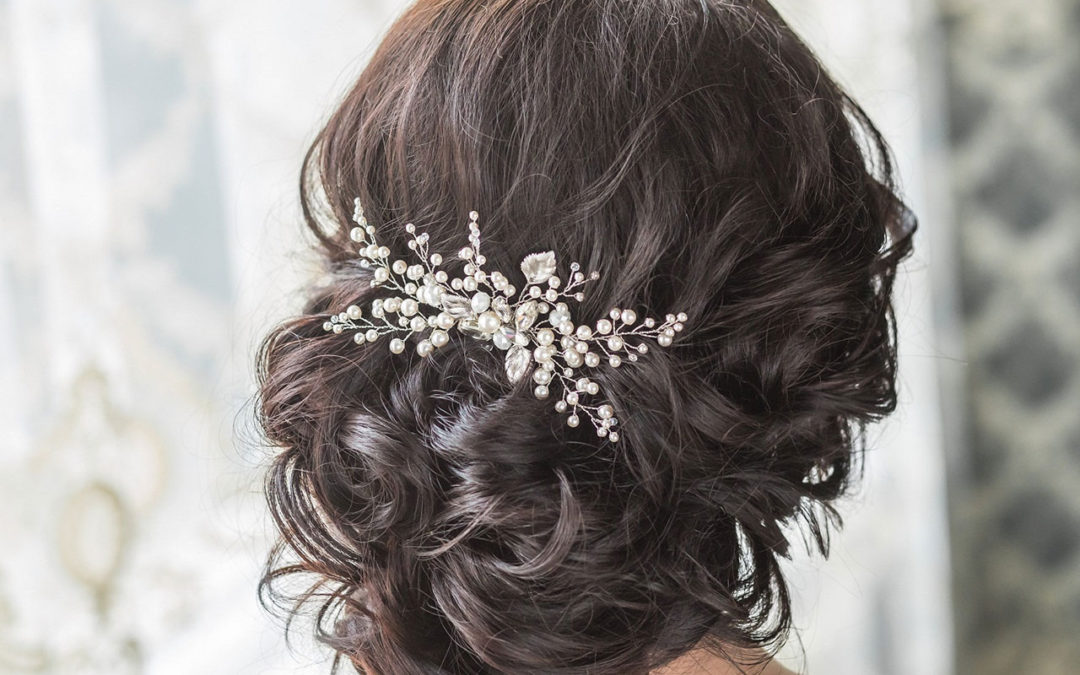 Beach Wedding Hair Styles and Accessories